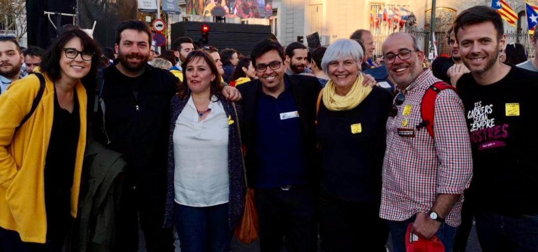 Esquerres solidàries. Una foto que diu molt de la manifestació històrica de dissabte a Madrid: l'Autodeterminació no és delicte!