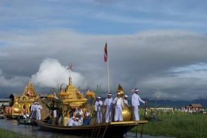 Cerimònia Phaung Daw U Festival - Llac Inle/Inlay - Ritual, joia, fe - Part I