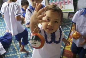 Birmània: Una nit i un día d'escola.