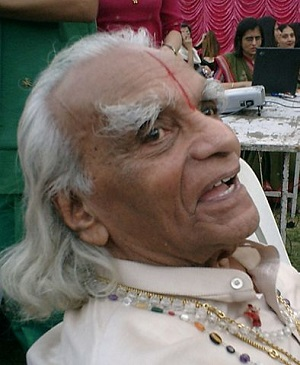 B. K. S. Iyengar ha estat el gran divulgador del ioga a Occident i un dels impulsors de l'interès popular pel sànscrit.