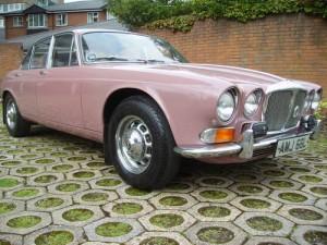 Daimler Double 6 1973