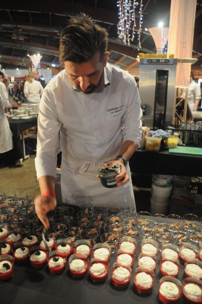 Christophe Comes de La Galinette, Perpinyà, Gaspacho de remolatxa Crapaudine amb escuma i caviar d'arengada fumat