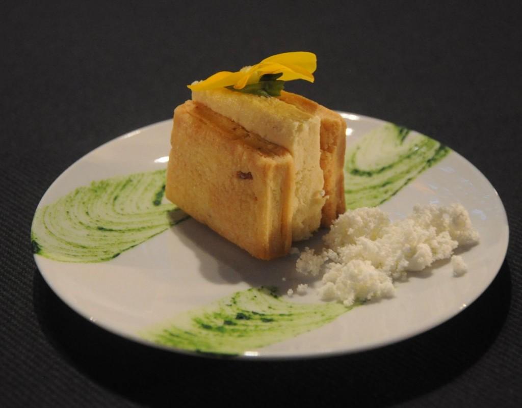 Coca catalana, foie gras, crema lleugera a l'oli d'oliva de la Baillaury, xef Denis Visellach, rest Bellavista de Prats-de-Mollo