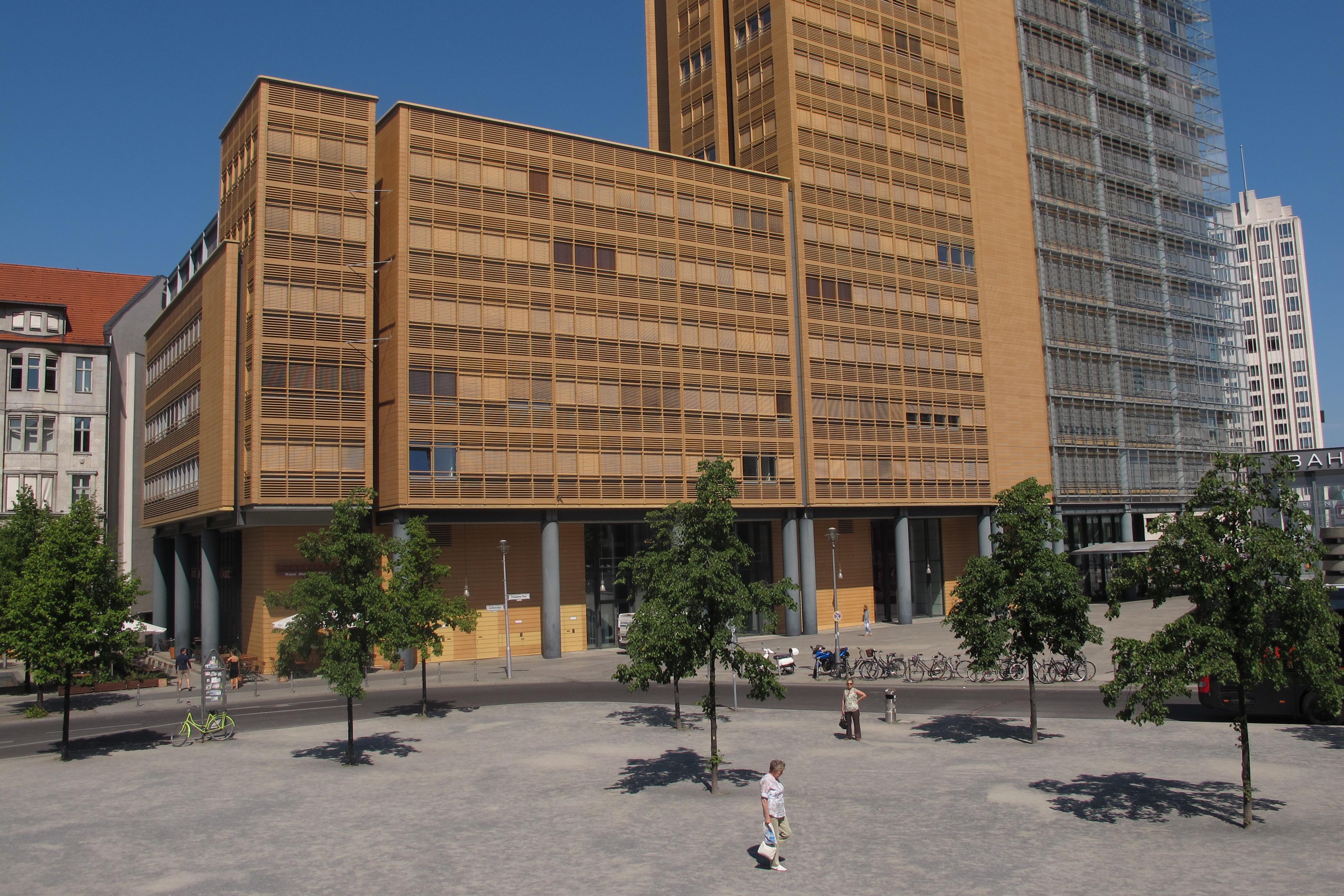 Edifici de Renzo Piano des de la Linkstrasse.