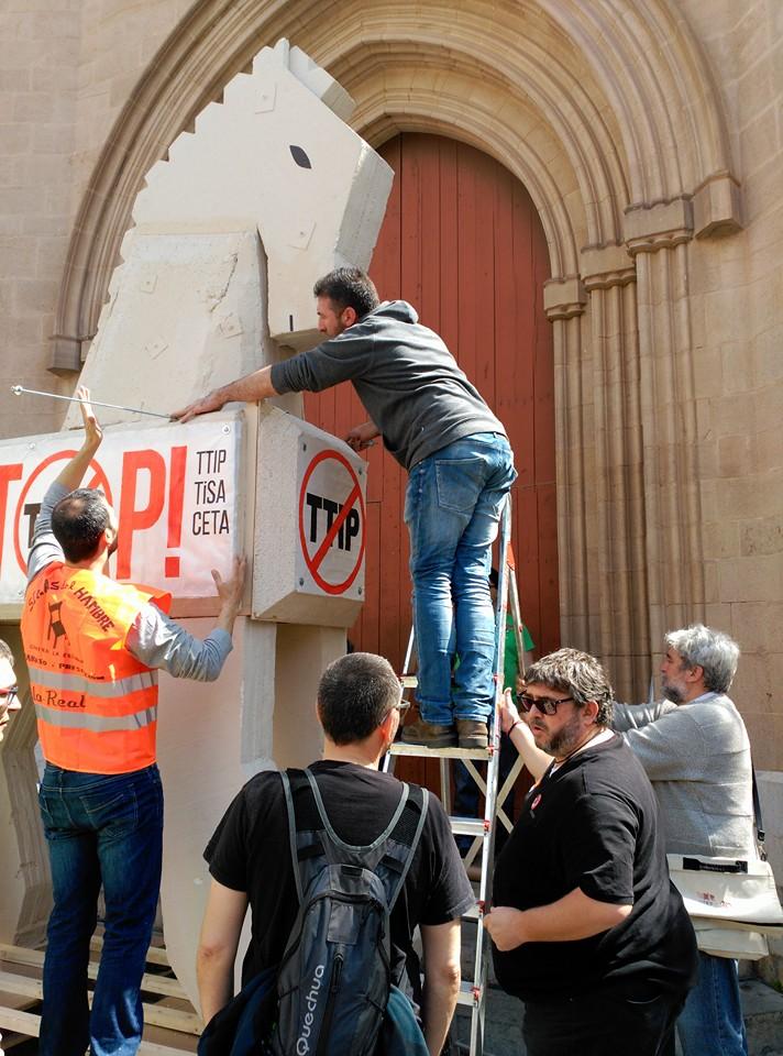 Montant el Cavall a la Plaça Major de Castelló 3