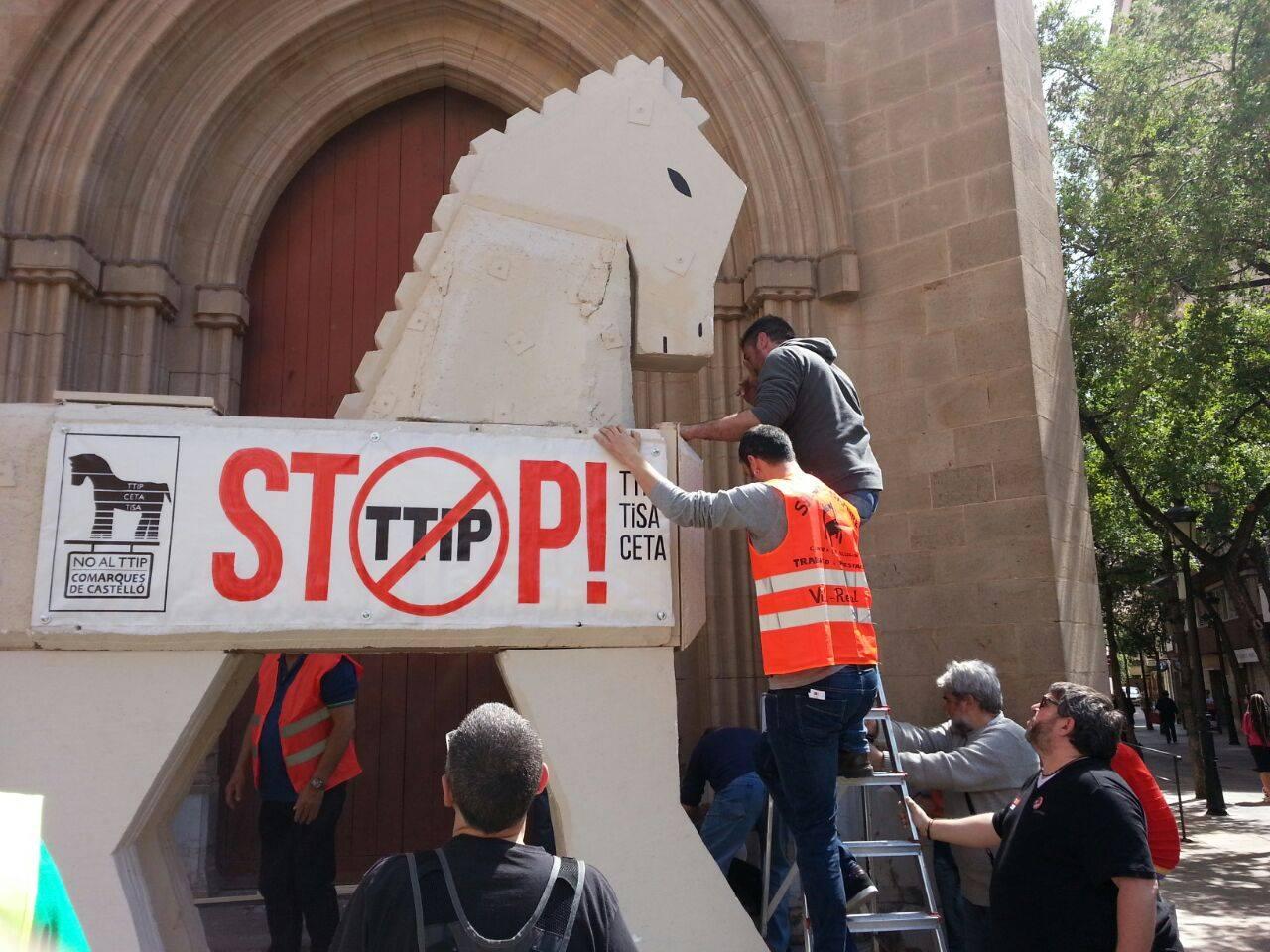 Montant el Cavall a la Plaça Major de Castelló 5
