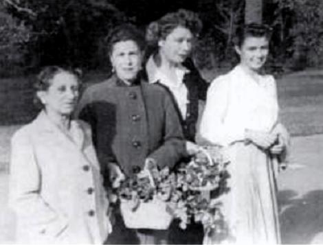 Helena amb sa mare i dues amigues a