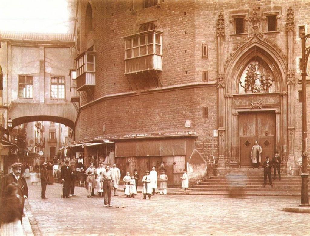 Foto antiga de Santa Maria del Mar i el Fossar