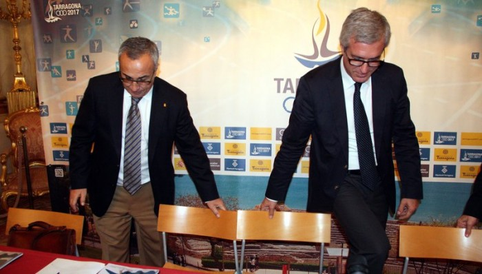 Alejandro Blanco, president del COE, i Josep Fèlix Ballesteros, alcalde de Tarragona, abans d'iniciar la reunió del Comitè Organitzador dels Jocs Mediterranis Tarragona 2017. (horitzontal)