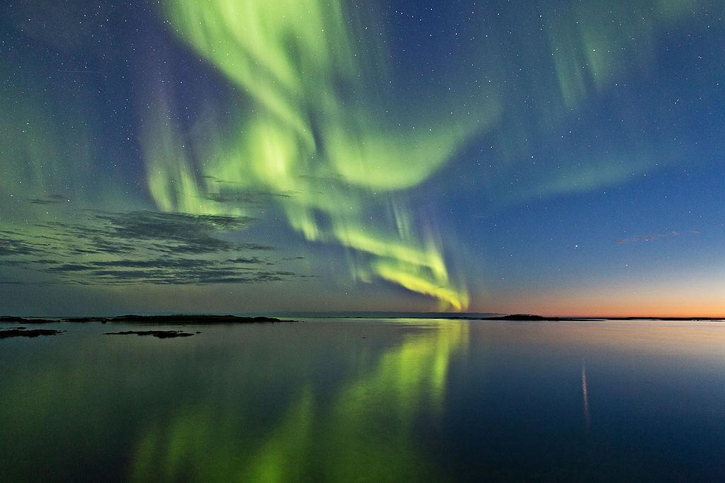 1024px-Aurora_and_sunset