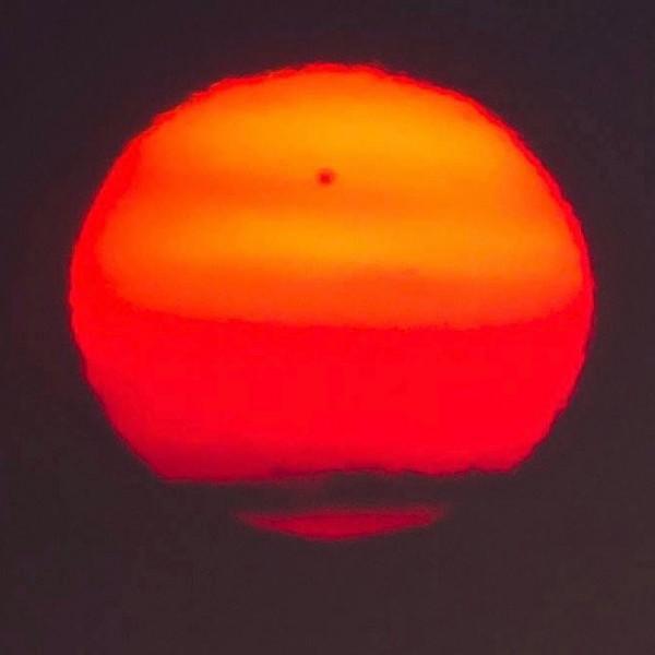 sunspot-AR2529-4-11-2016-Bernie-McGee-Scotland-sq-e1460490774540
