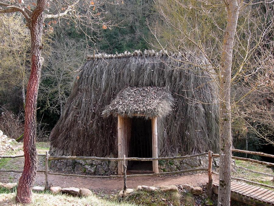 Reproducció d'una cabana prehistòrica