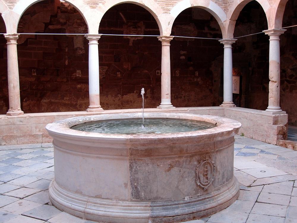 Detall del claustre petit de la cartoixa d'Escaladei
