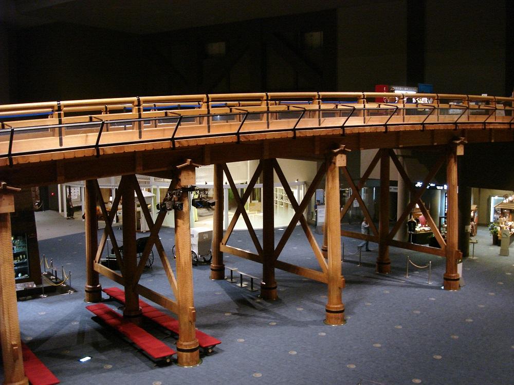 Reconstrucció a mida reals d'un pont històric de Tòquio