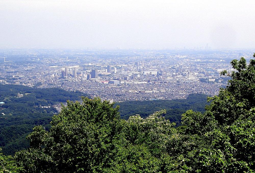 Cap a l'altre costat, la perifèria del gran Tòquio