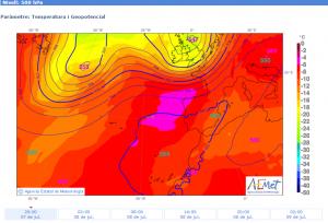 Previsió de temperatura en altura (500 hPa) per al 07/07/2015 a les 20 hores. (Font: AEMet.)