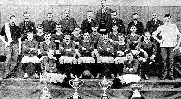 Una foto de l'equip, l'any 1903