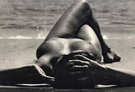 dona nua vora el mar