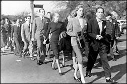 Laurent Bacall, manifestant-se contra la paranoica Comissió McCarthy