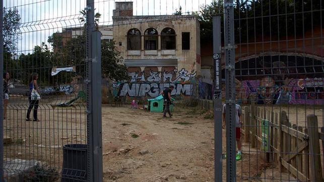 Fallece-heridos-navajazos-pelea-Barcelona_EDIIMA20160916_0704_4