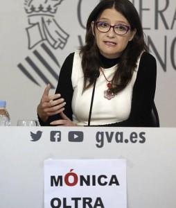 Monica Oltra (03) Accent Tancat. Cartell. Las Provincias. 1-4-2016