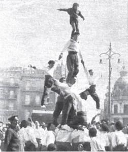 Moixiganga amb Despenjats. Pl. Ajuntament. Valencia. Inici Segle XX